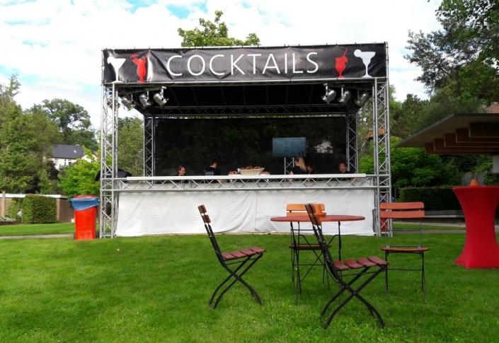 cocktailstand-705x485 Bühnenbau