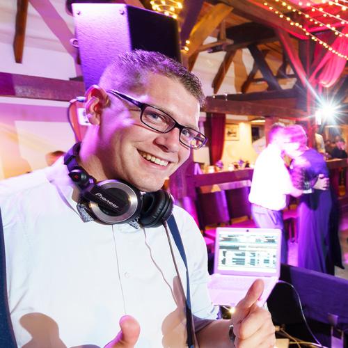 DJHasi_web DJ Agentur